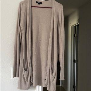 Long sleeve cardigan / sweater